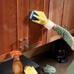 Filléres tisztítószer, ami eltünteti a konyhaszekrényről a csúnya foltokat és minden más lerakódást