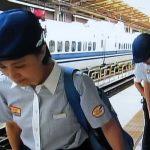 Bámulatos, hogyan takarítják Japánban a gyorsvonatokat: