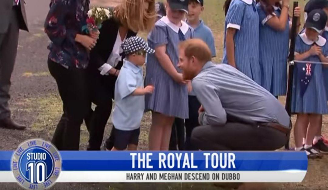 Harry herceg a királyi protokollt is áthágta a Down-szindrómás kisfiú kedvéért: megengedte, amit nem lett volna szabad