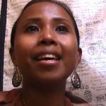 Ez a kedves, csupa mosoly indonéz lány káprázatosan énekli a Honfoglalás főcímdalát