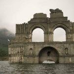 Több mint 400 éves templom emelkedett ki a vízből Mexikóban, kamerával is megörökítették a szépségét