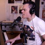 Az ő hangját is felhasználták a Freddie Mercury-filmhez: káprázatosan énekli a Bohemian Rhapsodyt