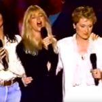 Meryl Streep,Cher,Olivia Newton-John ésGoldie Hawn együtt éneklik a What A Wonderful Worldot