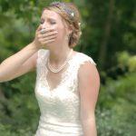 Már épp kezdődött volna a ceremónia, amikor egy váratlan vendég is érkezett az esküvőre: