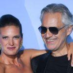 Bikiniben fotózták le Andrea Bocelli csodaszép feleségét: Veronicának nemcsak az alakja, a hangja is irigylésre méltó