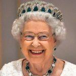 Megtaláltuk az egyetlen fürdőruhás képet II. Erzsébetről: fiatal volt és csinos, csodás alakkal