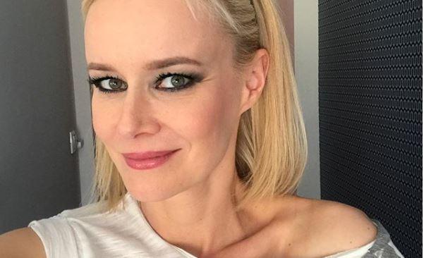 A Unique énekesnője, Völgyesi Gabi 43 évesen vonzóbb, mint valaha: legfrissebb képein nem rejtegeti bájait