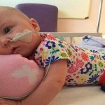 A baba egyre rosszabb állapotba került, csak kevés remény maradt: ekkor nővére megpuszilta, a reakció pedig önmagáért beszél