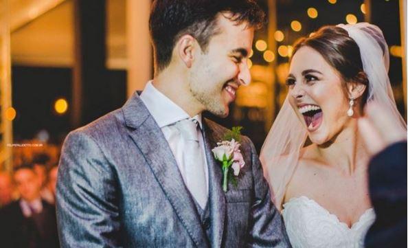 Amikor a menyasszony meglátja, ki jelent meg az esküvőjén, a szó szoros értelmében tátva marad a szája